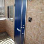 玄関のドアは2タイプのカラーバリエーションがあります